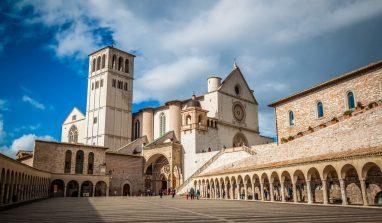 Assisi: cosa vedere e mangiare, dove dormire. Guida completa